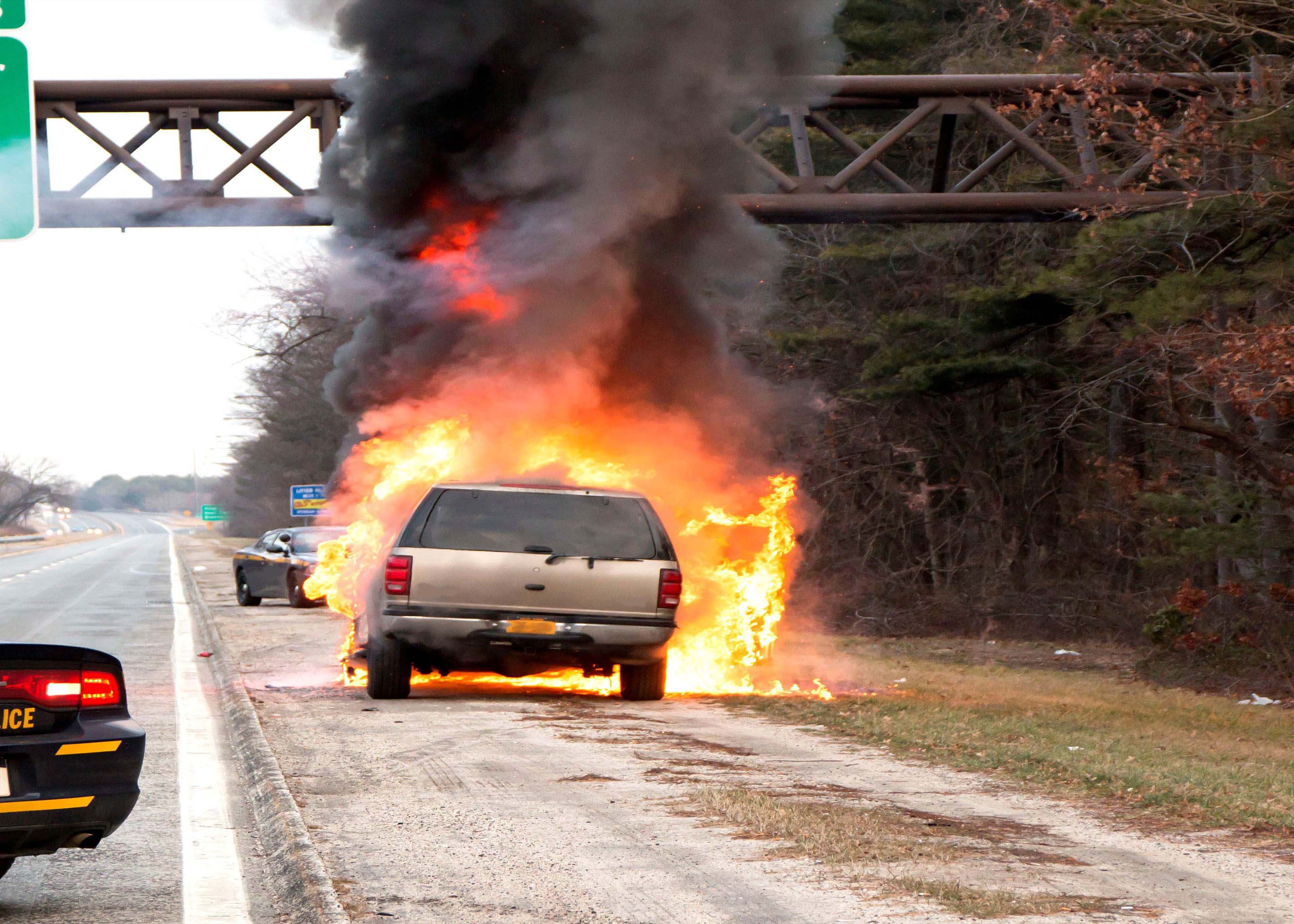 Burning Car 2107.jpg